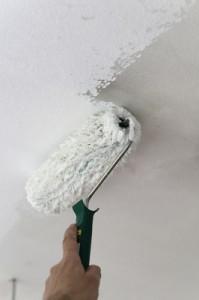 Was ist bloß die richtige Farbe für meine Wände? Nicht jedem genügt ein einfaches Weiß. Foto: Petra Bork - Pixelio.de