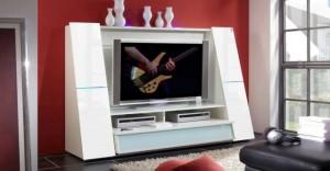 Eine vergleichsweise junge Erfindung sind TV-Möbel für Flachbildfernseher. Was die Menschen in der Steinzeit wohl dazu gesagt hätten? Foto: Hersteller