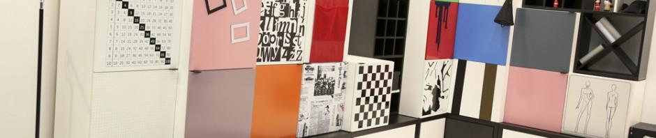 Dieses poppige Wohnzimmer von VOX Meble liegt voll im Trend zu mehr Farbe. Foto: Kölnmesse