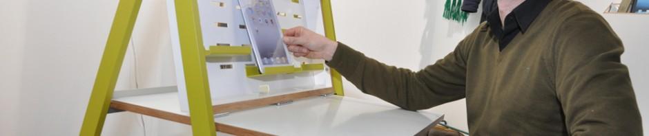 Der mobile Schreibtisch von Michael Hilgers aufgeklappt. Foto: Freiwald