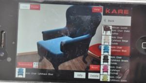Mit der Möbel-App von KARE lassen sich Möbelstücke in den eigenen Raum beamen. Foto: Freiwald